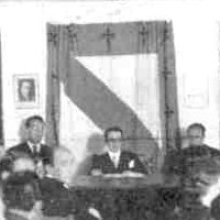 The Cross of St James of Compostela around the Galician Flag in a Home Rule campaign speech in the city of Pontevedra, 1933
